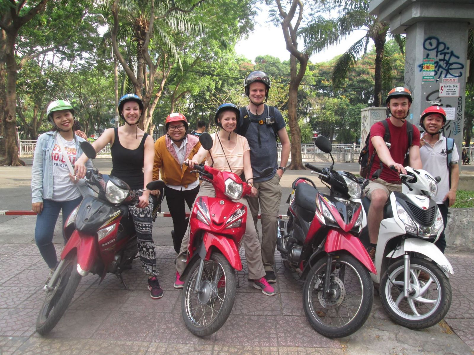DESIGN YOUR MOTORBIKE TOUR